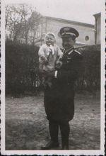 Nonno e mamma, Trento, aprile 1942