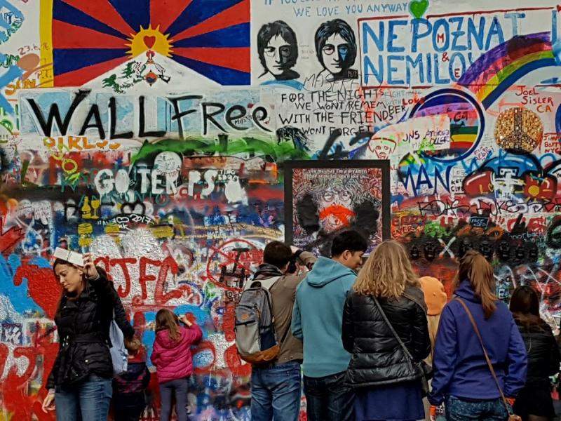 The Lennon Wall 15 aprile 2017